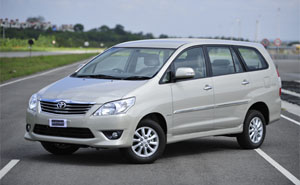 car rental services toyota innova delhi india